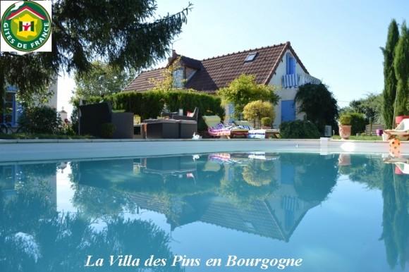 Location de maison de vacances avec piscine et cheminée au sud de la Bourgogne entre Loire et Morvan
